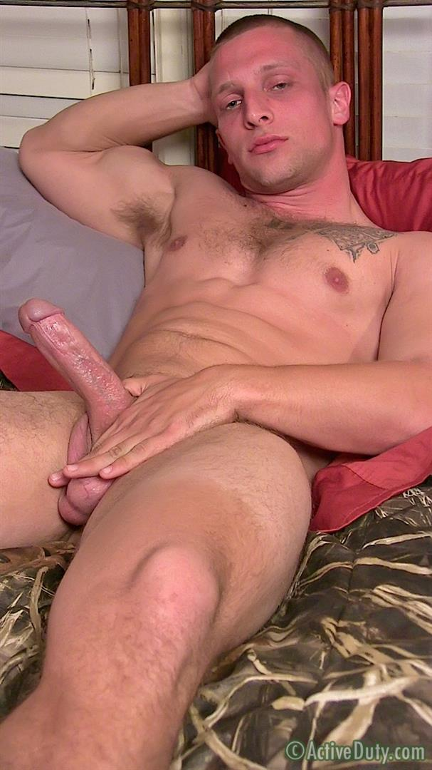 Active-Duty-Muscle-Bi-Sexual-Niko-US-Army-Soldier-Jerking-His-Big-Cock-Amateur-Gay-Porn-14 Amateur 23 Year Old US Army Hunk Jerks His Thick Cock
