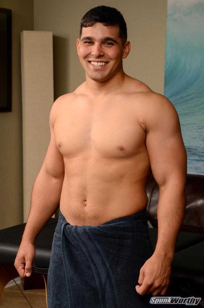 SpunkWorthy-Colt-Beefy-Naked-Marine-Gets-Handjob-From-A-Guy-Amateur-Gay-Porn-01 Straight Beefy US Marine Gets His First Handjob From A Guy