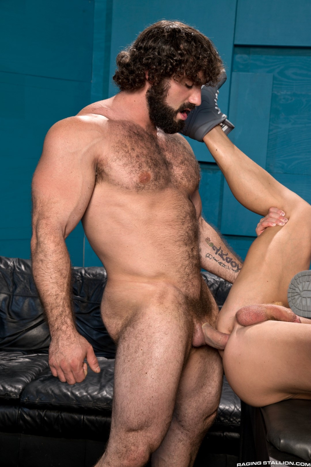 Raging-Stallion-Johnny-V-and-Jaxton-Wheeler-Hairy-Muscle-Hunk-Fucking-Amateur-Gay-Porn-12 Hairy Muscle Hunk Jaxton Wheeler Fucking A Muscle Jock
