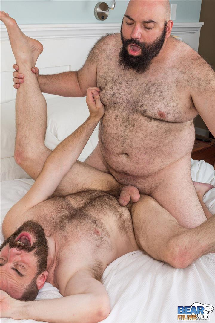 Bear-Films-Rock-Hunter-and-Steve-Sommers-Chub-Bears-Fucking-Bareback-Amateur-Gay-Porn-13 Husky Bears Fucking Bareback at Provincetown Bear Week