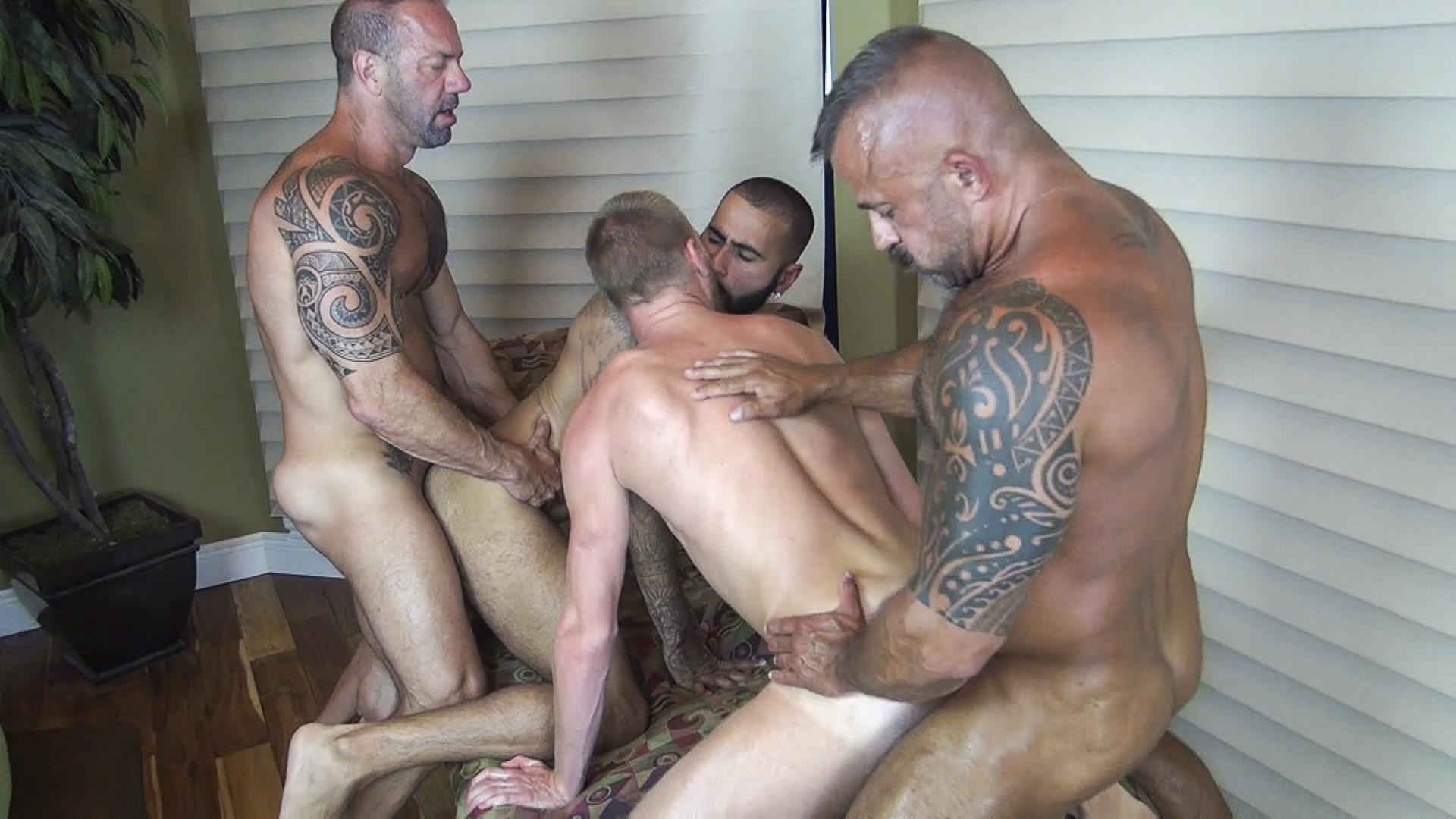 Bareback Sex Studs Orgy